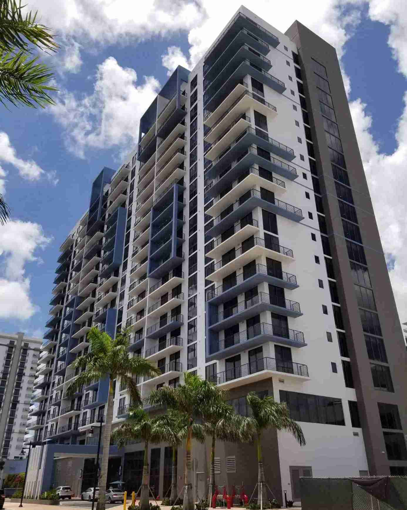specialty-engineering-windows-and-doors-5350-park-downtown-doral